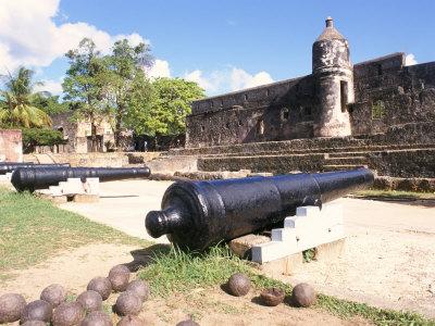 fort jesus, canons, mombasa, kenya