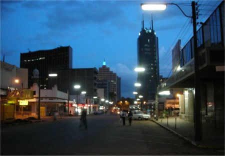 Nairobi Koinange Street at Night http://www.kenya-advisor.com/safety-in-nairobi.html
